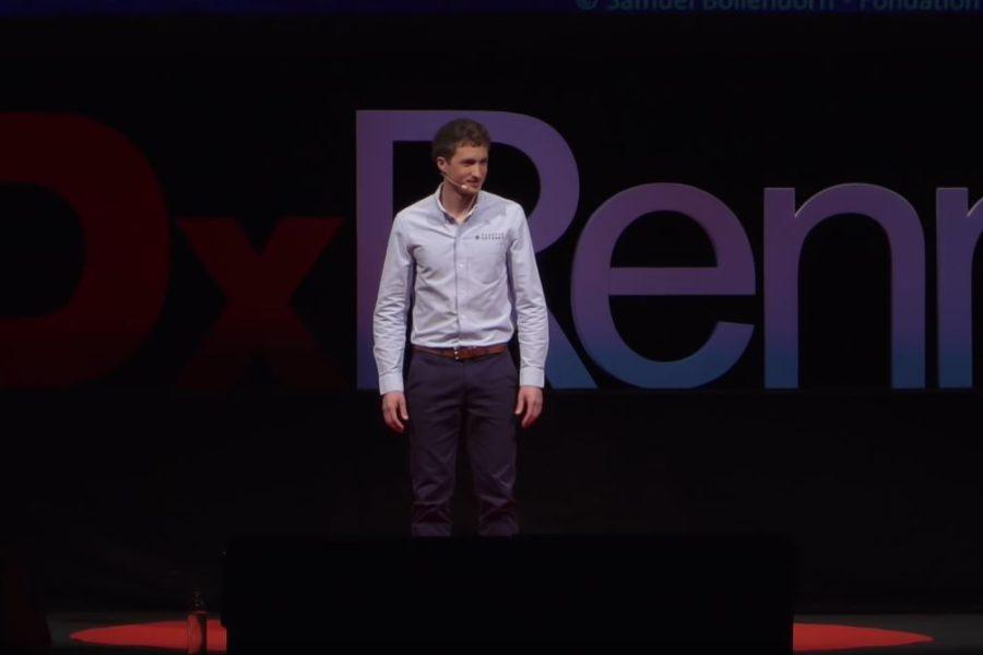 [En bref] «L'humain : la meilleure des technologies face à la pollution plastique», Simon Bernard au TEDx Rennes