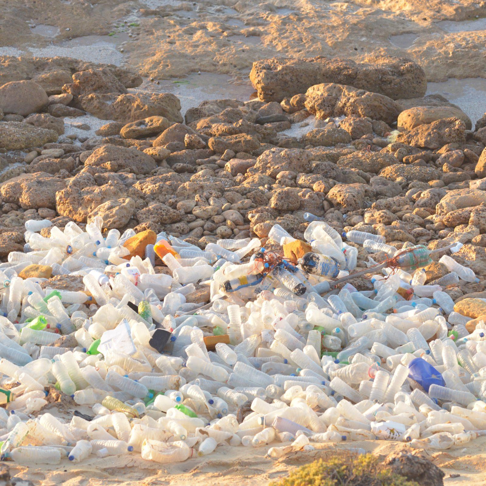 Plastic Odyssey pollution- Jean-Yves Gabriele © - Copie